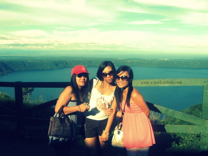With my Filaguan sisters, Agnes and Vanessa September 7, 2009